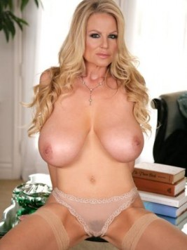 Pornstar Kelly Madison Pictures and Movies