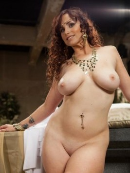 Pornstar Bella Rossi Pictures and Movies