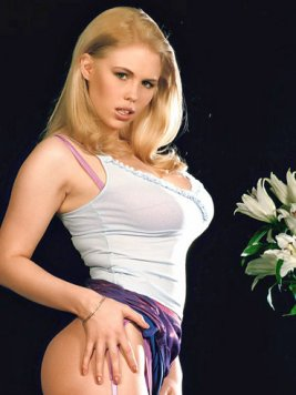 Pornstar Blond Panni Pictures and Movies