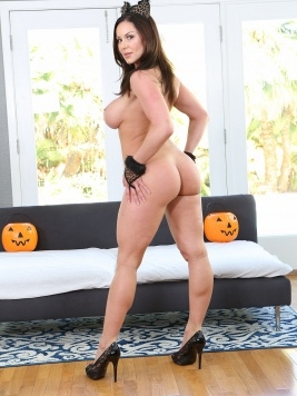 Pornstar Kendra Lust Images and Videos