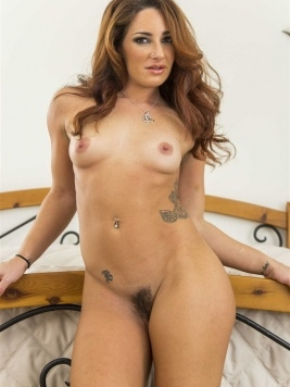 Pornstar Savannah Fox Movies and Pictures