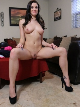 Pornstar Kymberlee Anne Movies and Images
