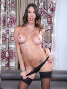 Pornstar Dava Foxx videos and images
